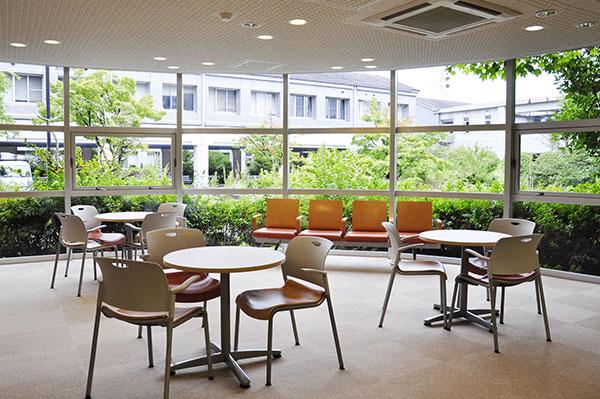 phòng tự học của trường đại học sư phạm osaka